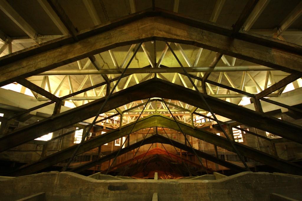 Estrutura do antigo telhado do Cine Brasil